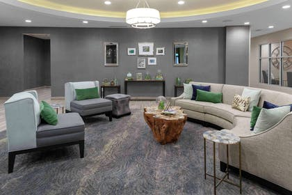Lobby | Homewood Suites by Hilton Lansing Eastwood