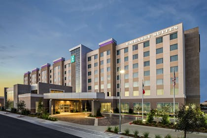 Exterior   Embassy Suites by Hilton College Station, TX