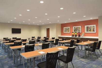 Meeting Room | Home2 Suites by Hilton Leavenworth Downtown