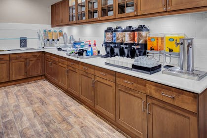 Restaurant | Homewood Suites by Hilton Wauwatosa Milwaukee