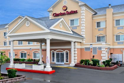 Hotel exterior | Clarion Suites Downtown Anchorage