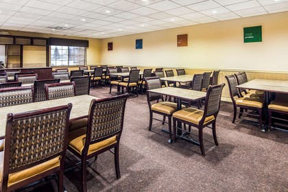 Spacious breakfast area | Clarion Suites Downtown Anchorage