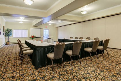Meeting room | Clarion Suites Downtown Anchorage