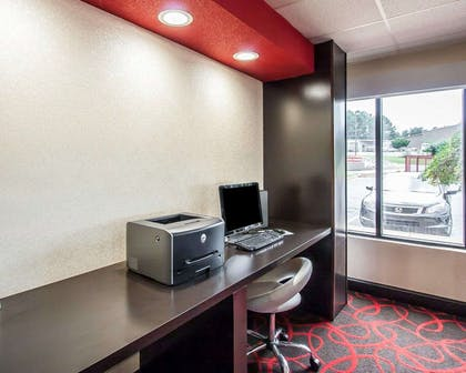 Business center with free wireless Internet access | Quality Inn Tuscaloosa