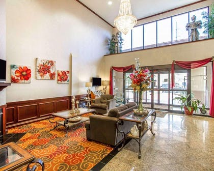 Hotel lobby | Comfort Suites Mobile East Bay