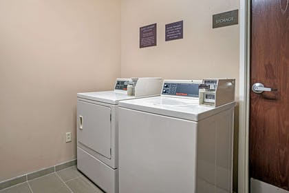 Guest laundry facilities | Comfort Suites Foley