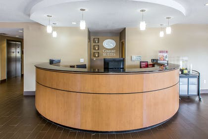 Front desk | Comfort Suites Oxford I-20 exit 188