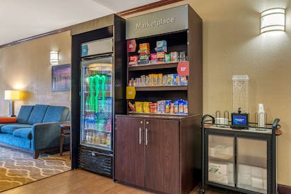 Hotel marketplace | Comfort Suites Montgomery East Monticello Dr.