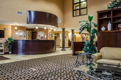 Hotel lobby | Comfort Suites Mobile