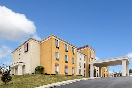 Hotel near popular attractions | Comfort Suites Cullman I-65 Exit 310