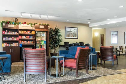Hotel lobby | Comfort Suites Cullman I-65 Exit 310