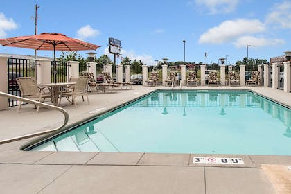 Relax on the sundeck | Comfort Suites Cullman I-65 Exit 310