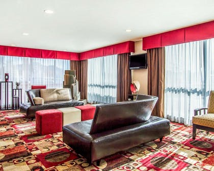 Hotel lobby | Comfort Suites Florence Shoals Area