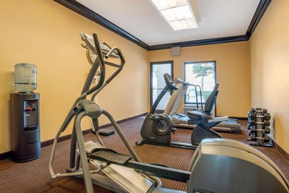 Exercise room | Econo Lodge Inn & Suites Foley