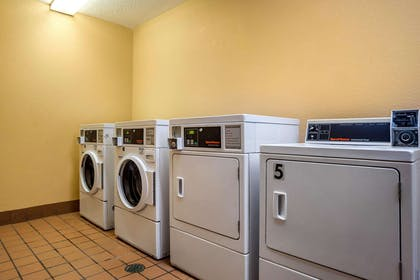 Guest laundry facilities | Econo Lodge Inn & Suites Foley