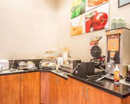 Breakfast counter | Quality Inn & Suites Greenville I-65