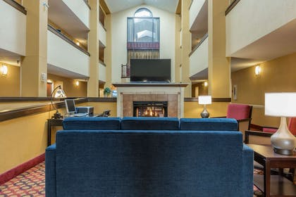 Spacious lobby with sitting area | Comfort Inn & Suites Jasper Hwy 78 West