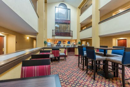 Breakfast area | Comfort Inn & Suites Jasper Hwy 78 West