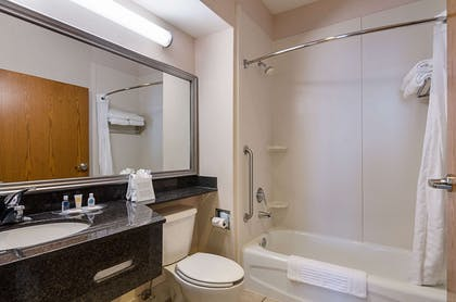 Bathroom in guest room | Quality Suites