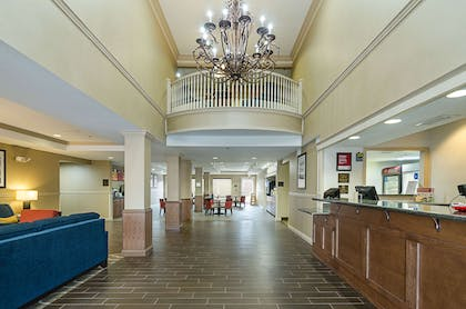 Hotel lobby | Quality Suites