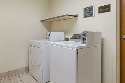 Guest laundry facilities | Quality Suites