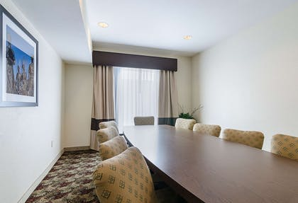 Boardroom | Quality Suites