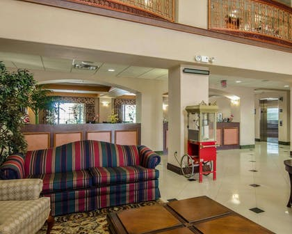 Lobby with sitting area | Sleep Inn & Suites Springdale West