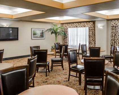 Breakfast room | Sleep Inn & Suites Springdale West