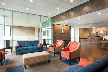 Spacious lobby with sitting area | Comfort Inn & Suites Presidential