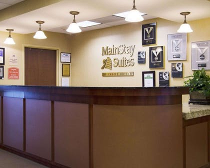 Front desk | MainStay Suites Rogers near I-49