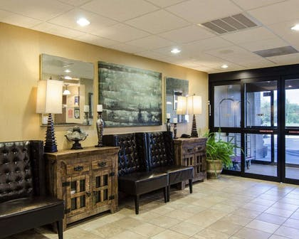 Lobby with sitting area | MainStay Suites Rogers near I-49