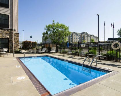 Outdoor pool | MainStay Suites Rogers near I-49