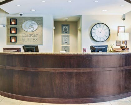 Front desk | Comfort Suites near Hot Springs Park