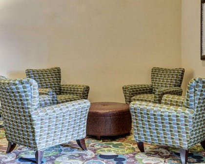 Spacious lobby with sitting area | Comfort Suites near Hot Springs Park