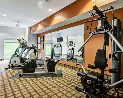 Exercise room | Comfort Suites near Hot Springs Park