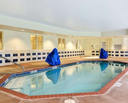 Indoor heated pool | Comfort Suites near Hot Springs Park