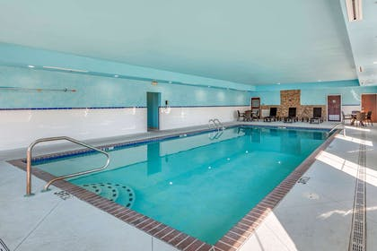 Relax by the pool | Comfort Suites West Memphis I-40 I-55