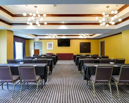 Meeting room with classroom-style setup | Comfort Suites Little Rock West