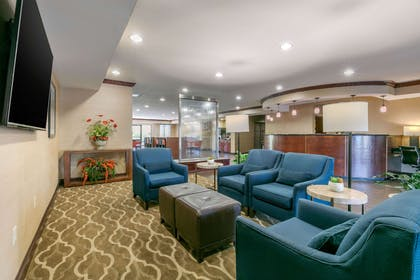Hotel lobby | Comfort Suites Forrest City