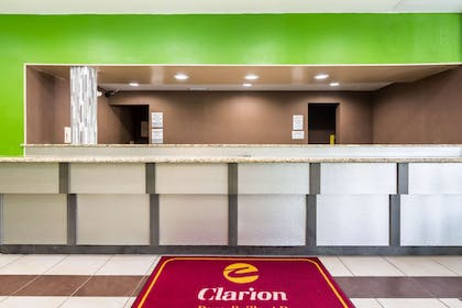 Front desk with friendly staff | Clarion Inn & Suites Russellville I-40