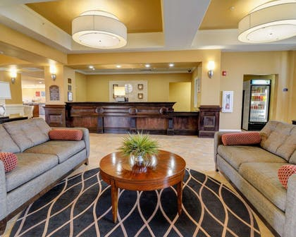 Hotel lobby | Comfort Inn & Suites Fort Smith I-540
