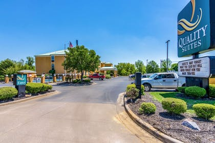 Hotel exterior | Quality Suites Maumelle - Little Rock NW