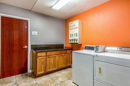 Guest laundry facilities | Quality Suites Maumelle - Little Rock NW