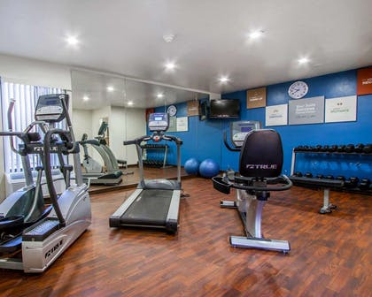 Fitness center with free weights | Comfort Suites at Sabino Canyon