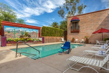 Relax by the pool | Comfort Suites at Sabino Canyon