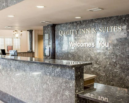 Front desk with friendly staff | Quality Inn & Suites Safford - Mt Graham