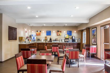 Breakfast area | Comfort Inn & Suites North Glendale - Bell Road