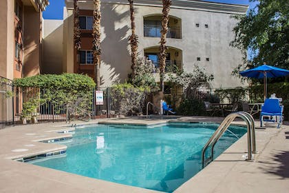Outdoor pool | Comfort Inn & Suites North Glendale - Bell Road