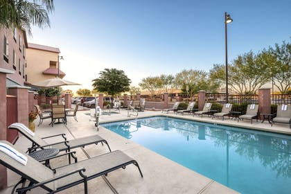 Outdoor pool | Comfort Suites Goodyear