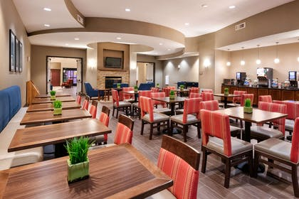 Spacious breakfast area | Comfort Suites Goodyear